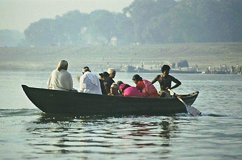 Traveling-like-local-in-fisherman-boat